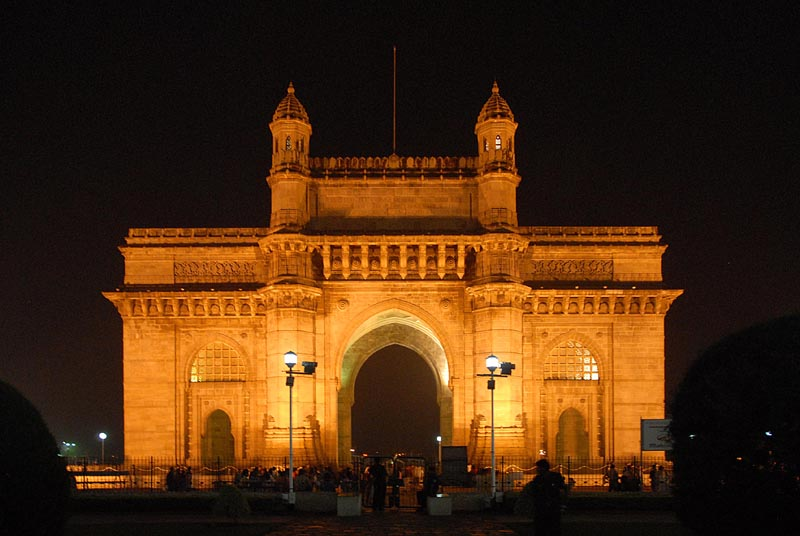 Explore the most attractive places in Mumbai -Gateway of India